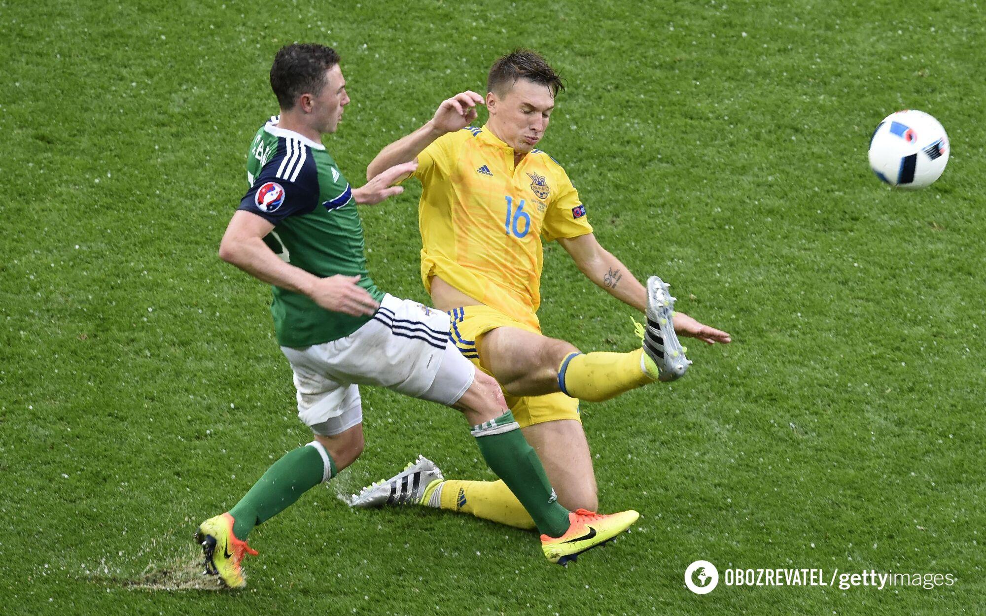 Сергей Сидорчук в матче с Северной Ирландией.