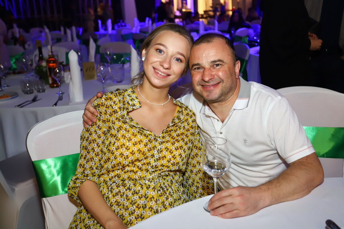 Виктор Павлик со своей супругой.