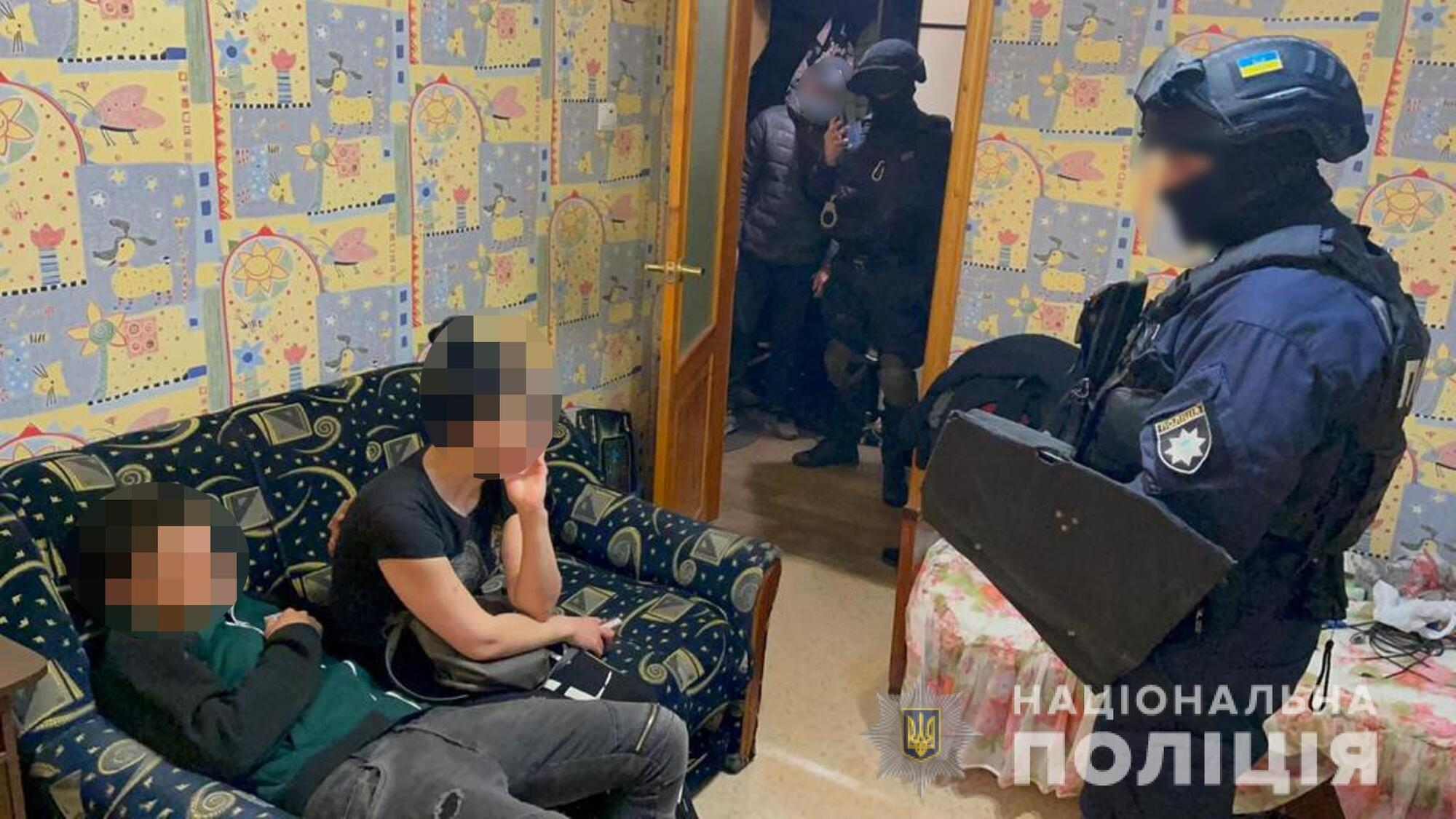 Поліція провела обшук вдома у підозрюваного в подвійному вбивстві в Харкові