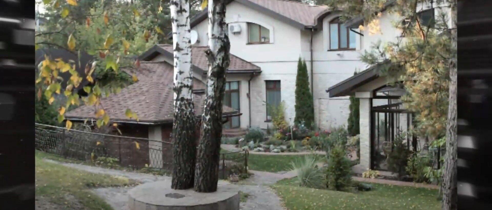 Який вигляд має будинок Лободи.