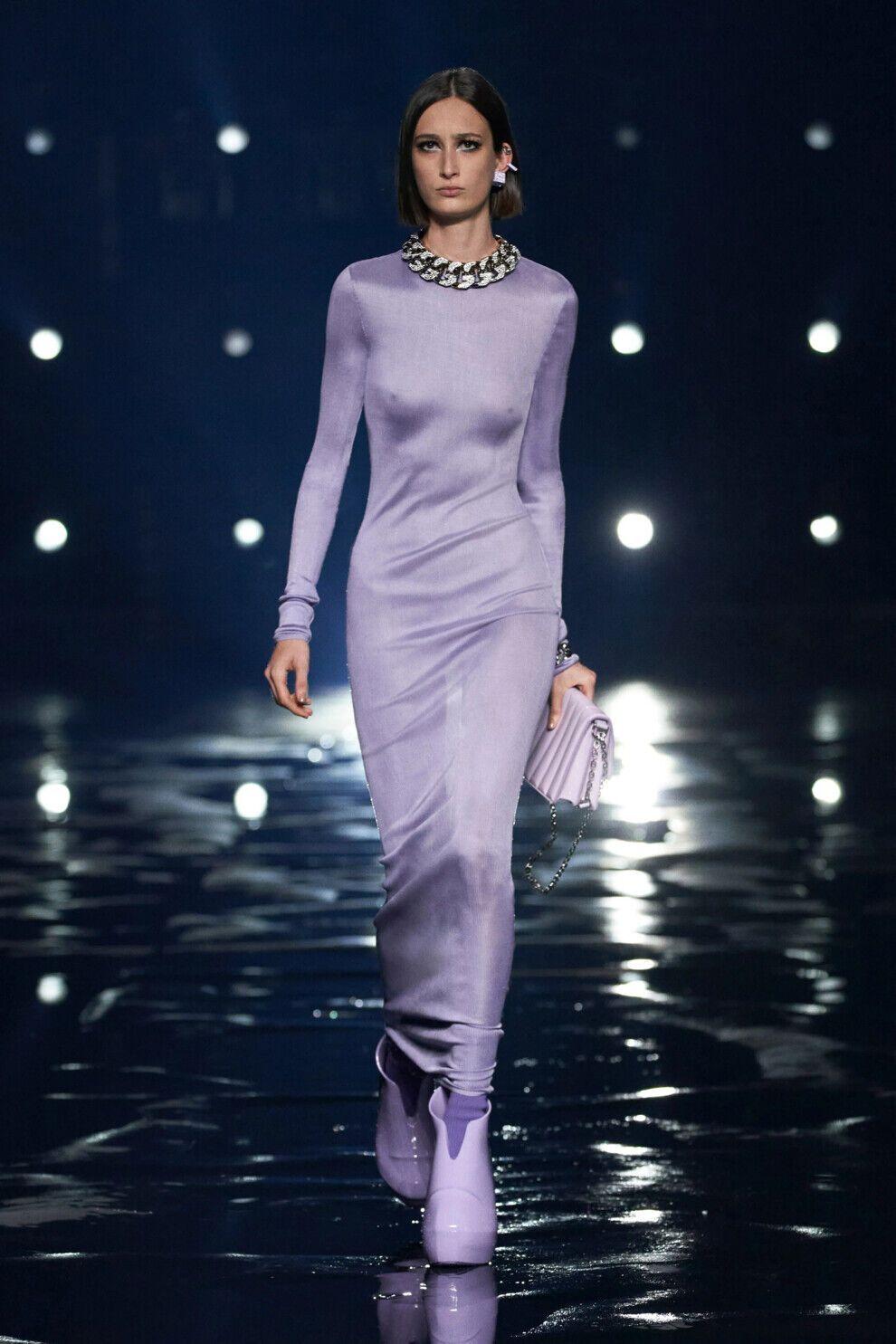 Розкішні шовкові сукні будуть у тренді
