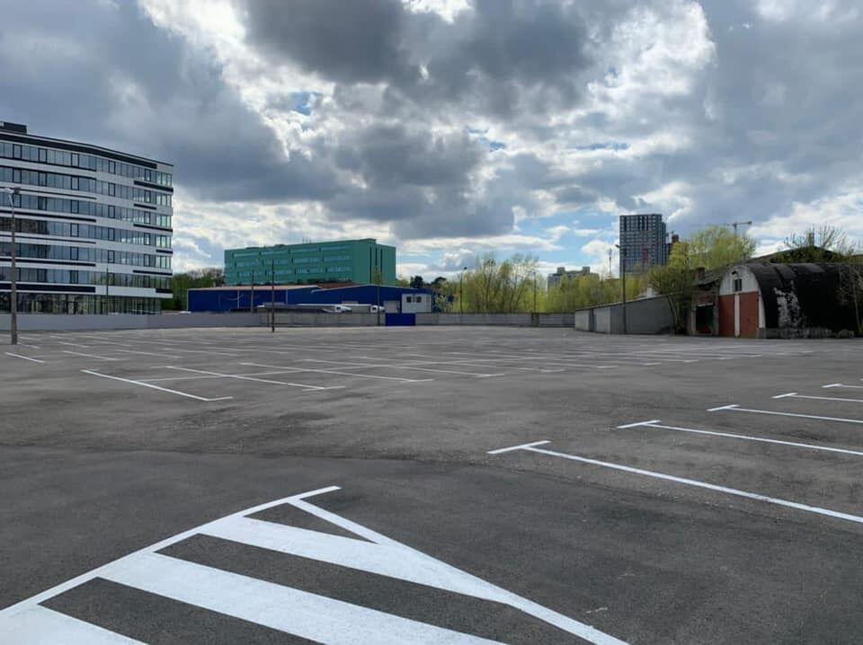 Скористатися паркувальними місцями можуть всі охочі.