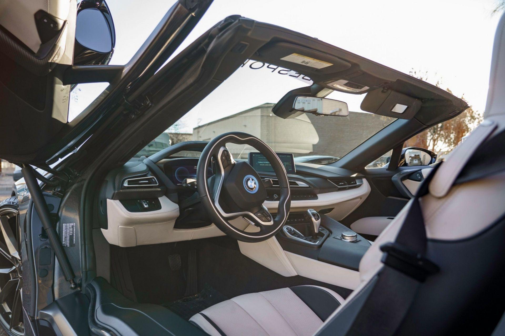 Автомобиль имеет 17 675 км пробега