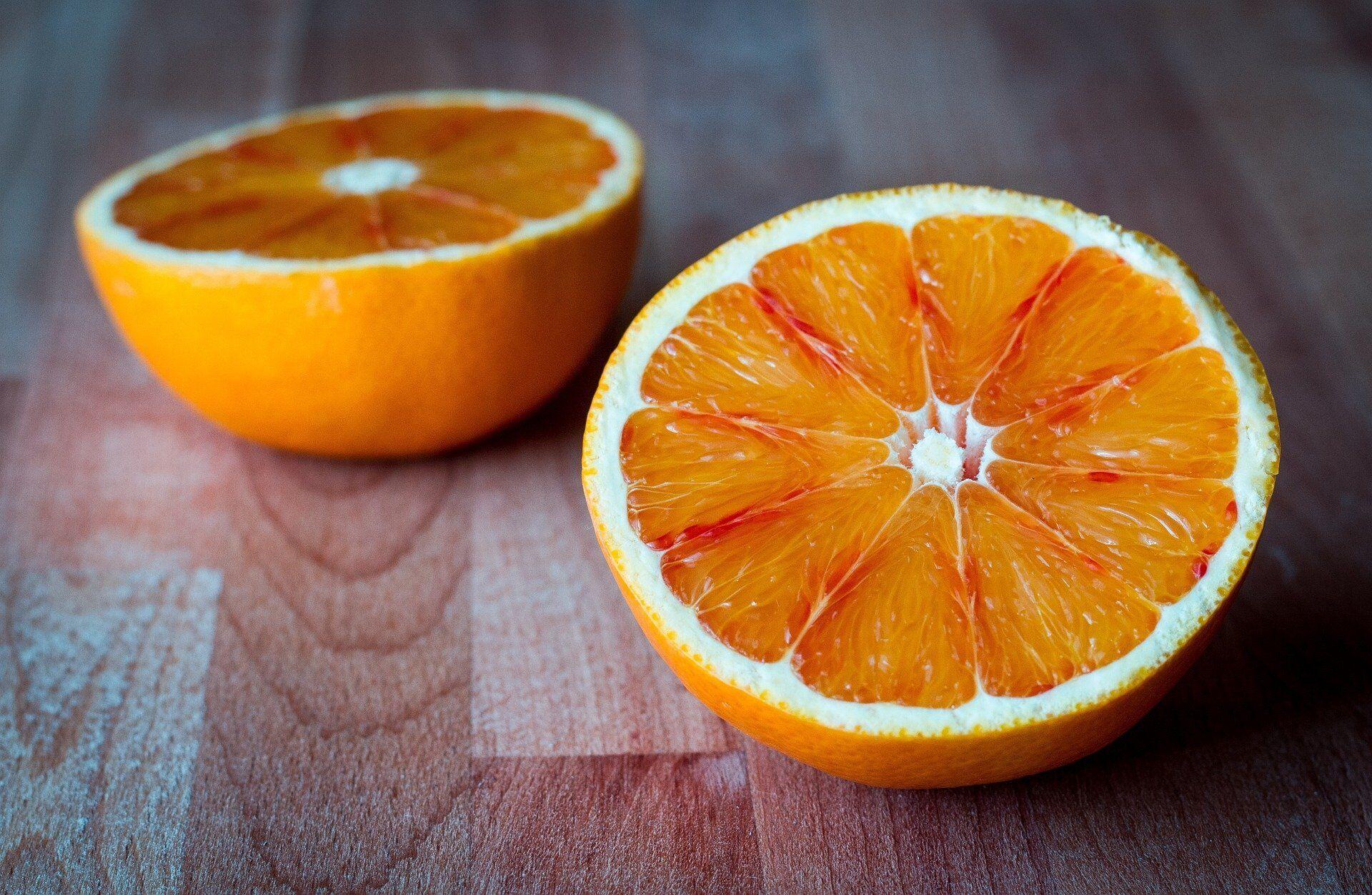 Апельсини багаті на вітамін С