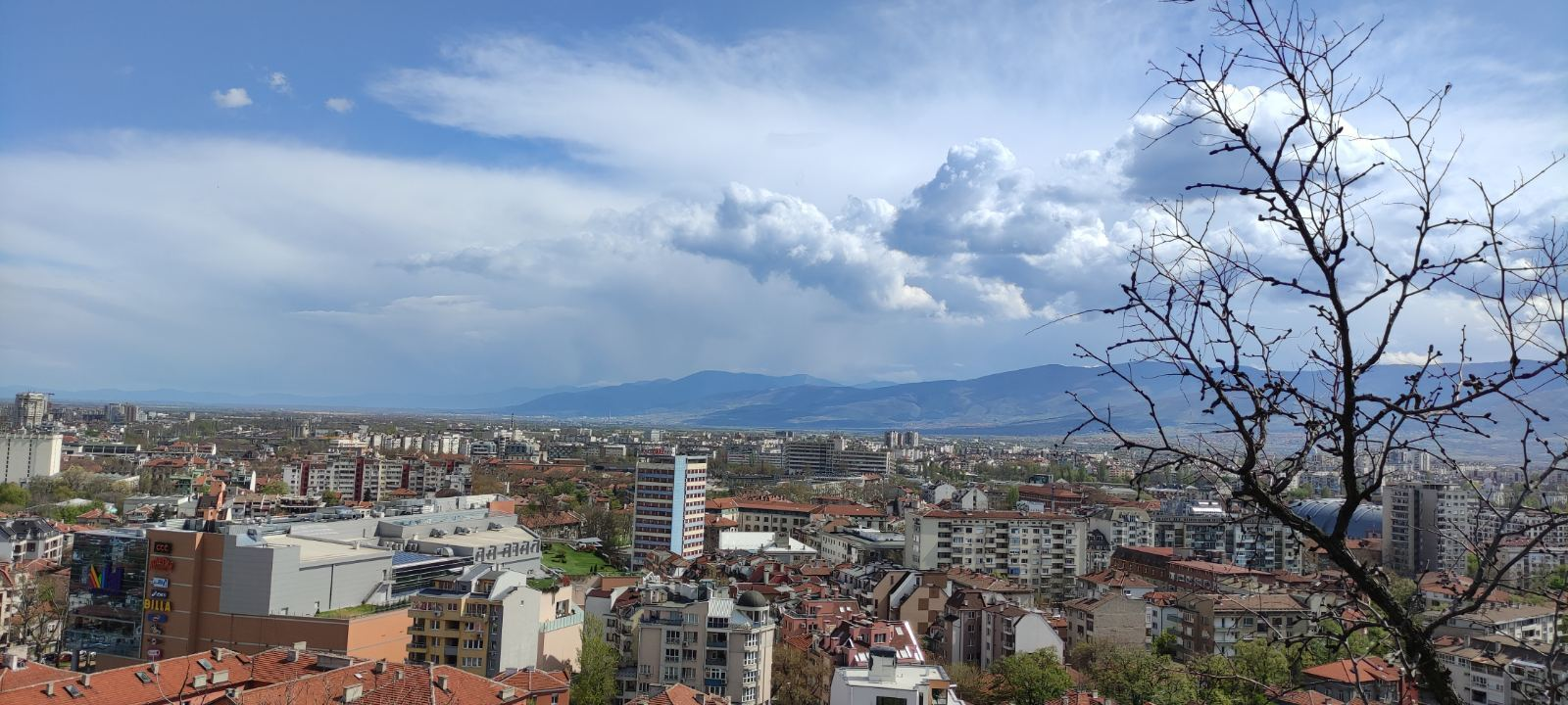 София призналась, что их ничто не держало в Украине и они решили переехать в Болгарию