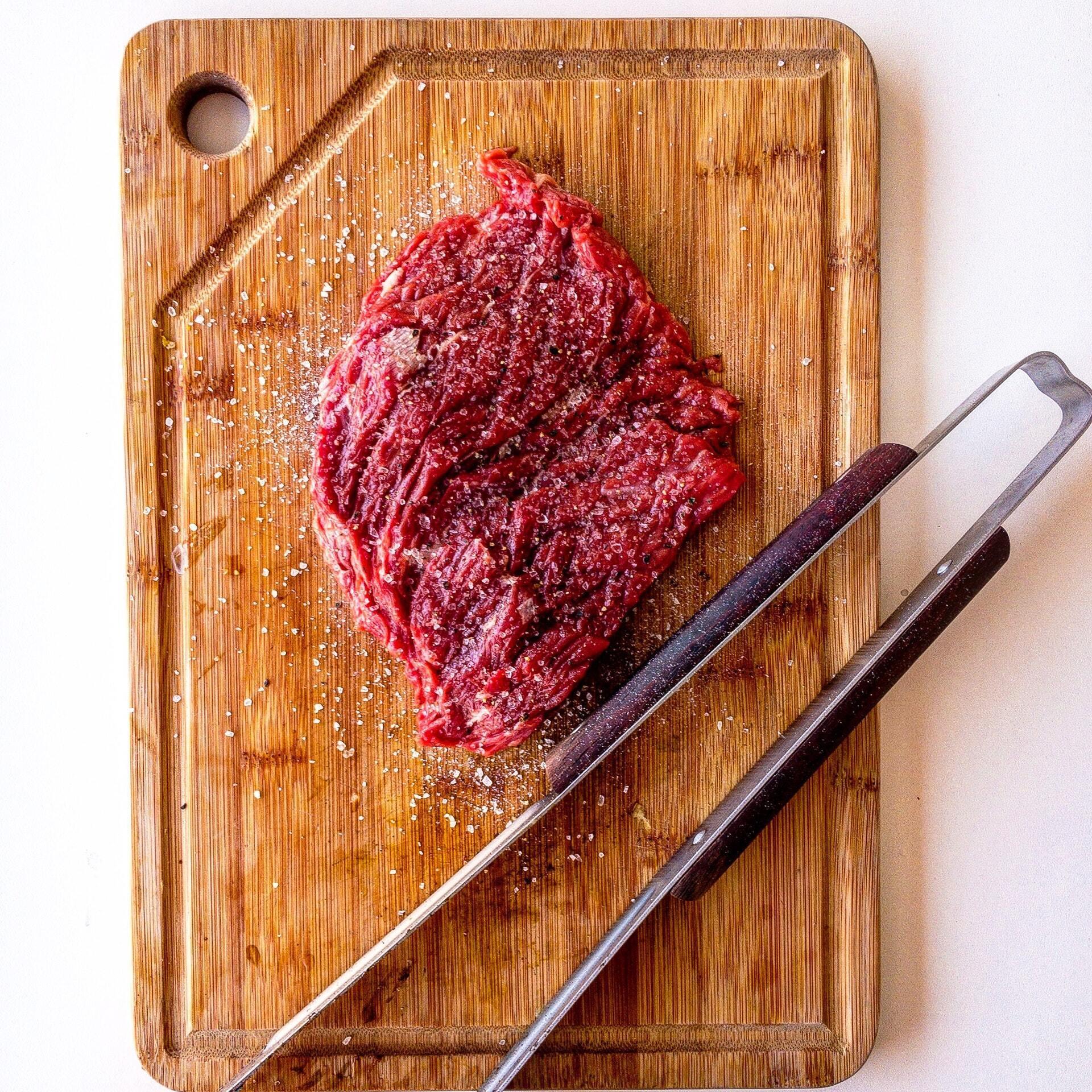 Как выбрать качественное мясо для шашлыка