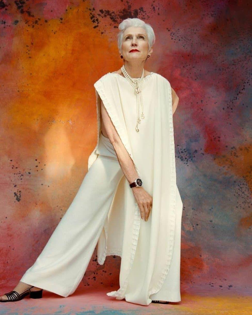 Мей Маск позувала у вбранні українського дизайнера.