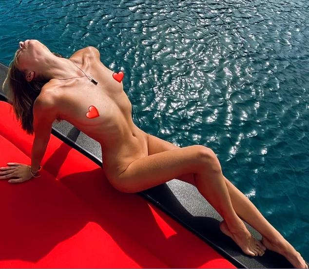 Турецкие СМИ опубликовали фото девушек на яхте