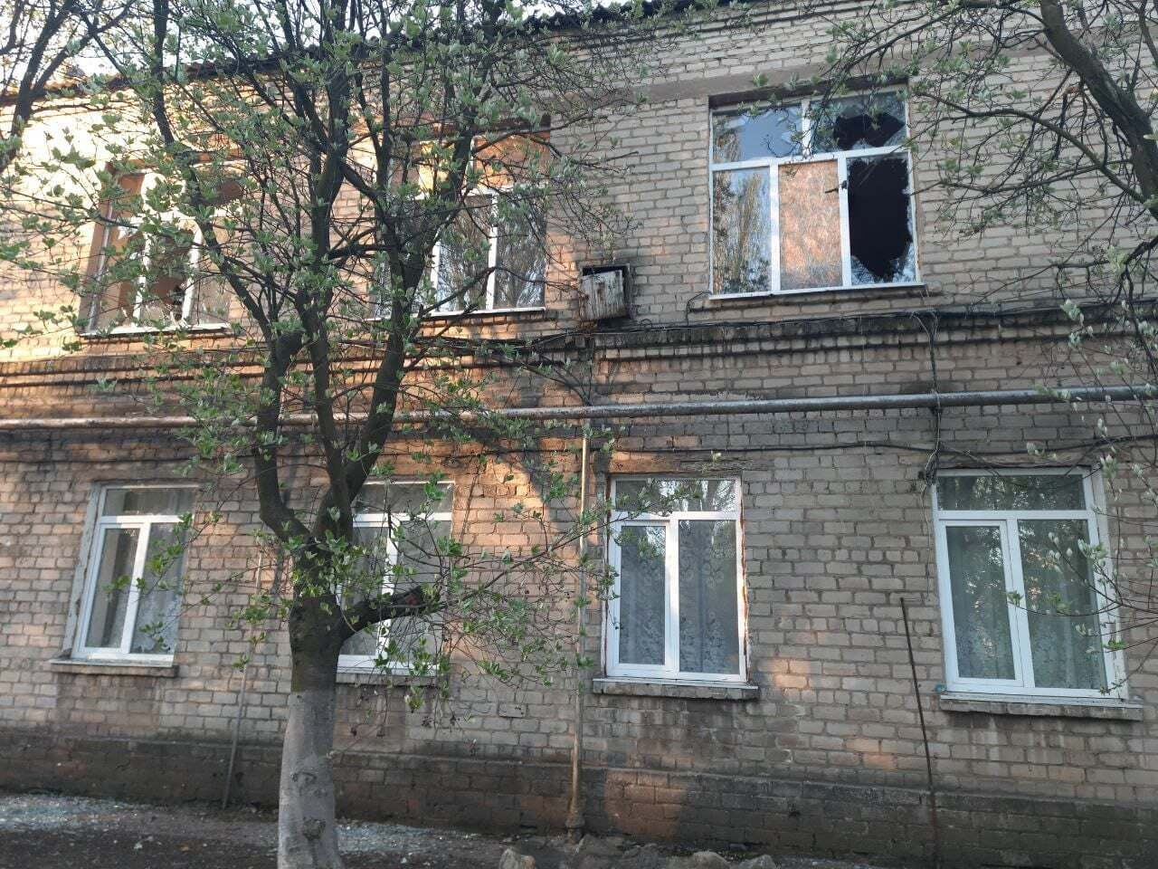 """Також під обстріл """"ДНР"""" потрапили будинки мирних мешканців"""