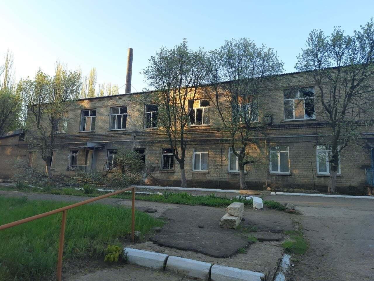 В результаті обстрілу російськими окупантами кілька будинків у Красногорівці лишилися без світла