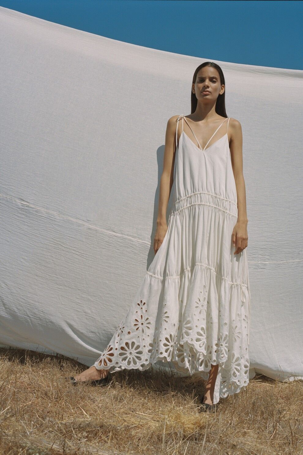 Платье в пасторальном стиле от Jonathan Simkhai
