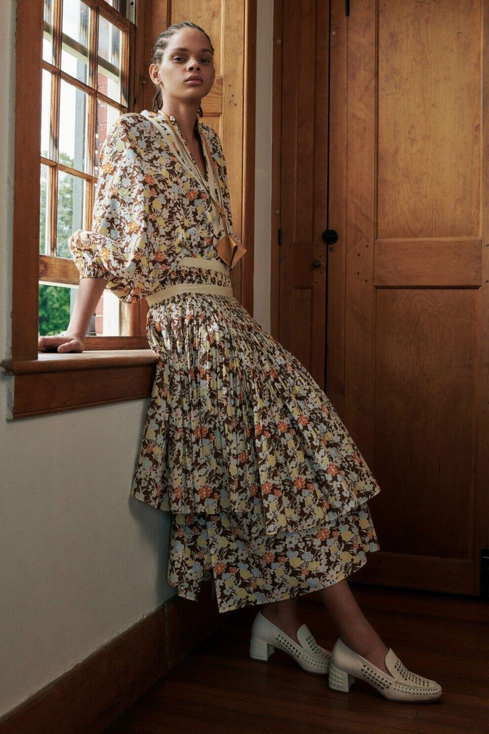 Платье в пасторальном стиле от Tory Burch