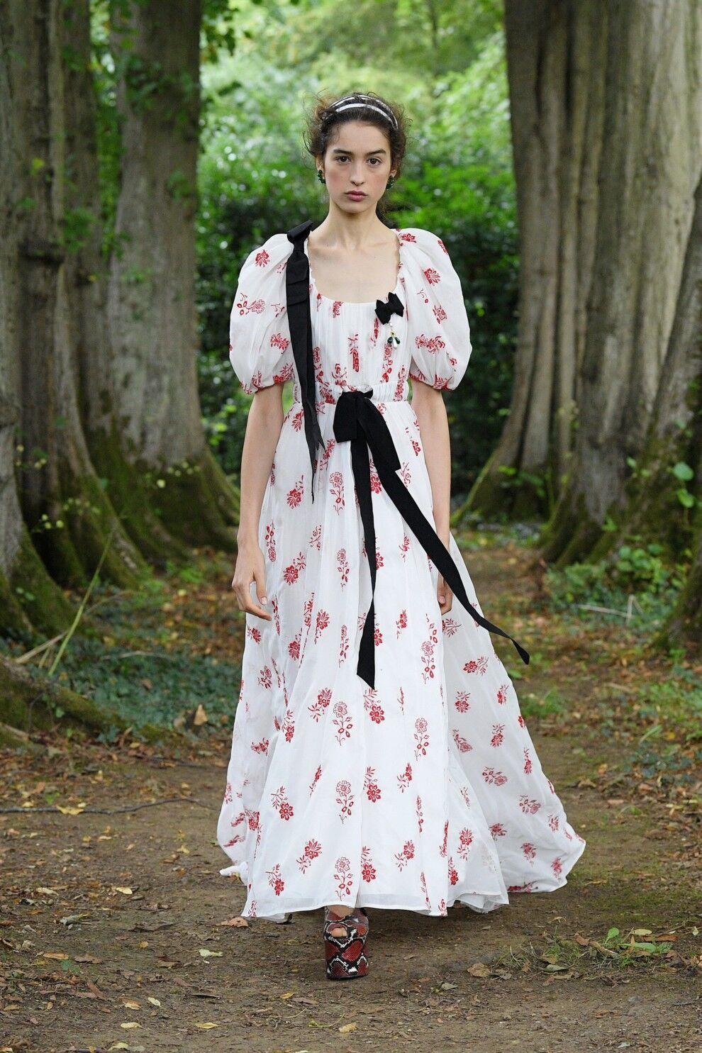 Платье в пасторальном стиле от Erdem