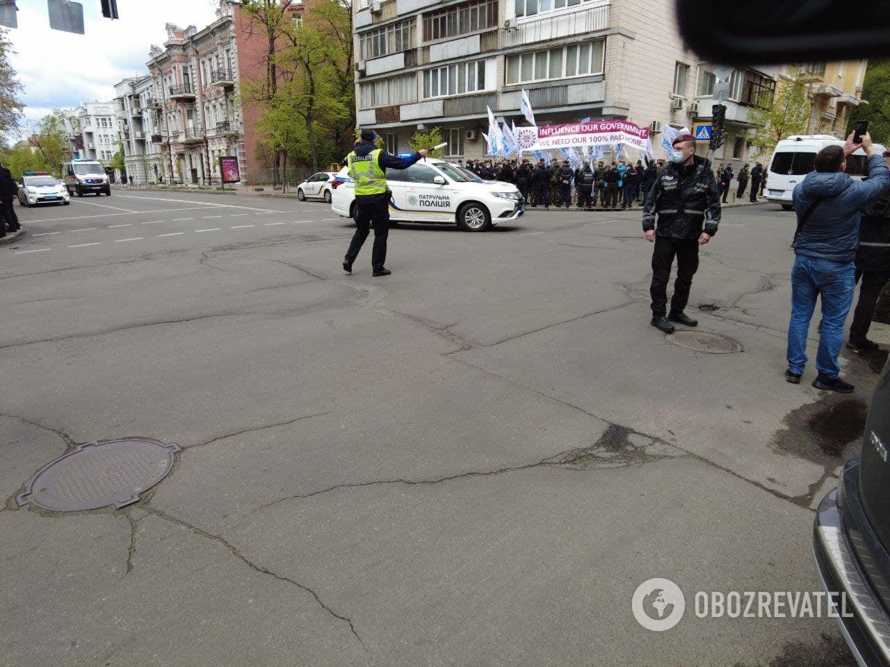 Кортеж Блинкена сопровождало авто полиции