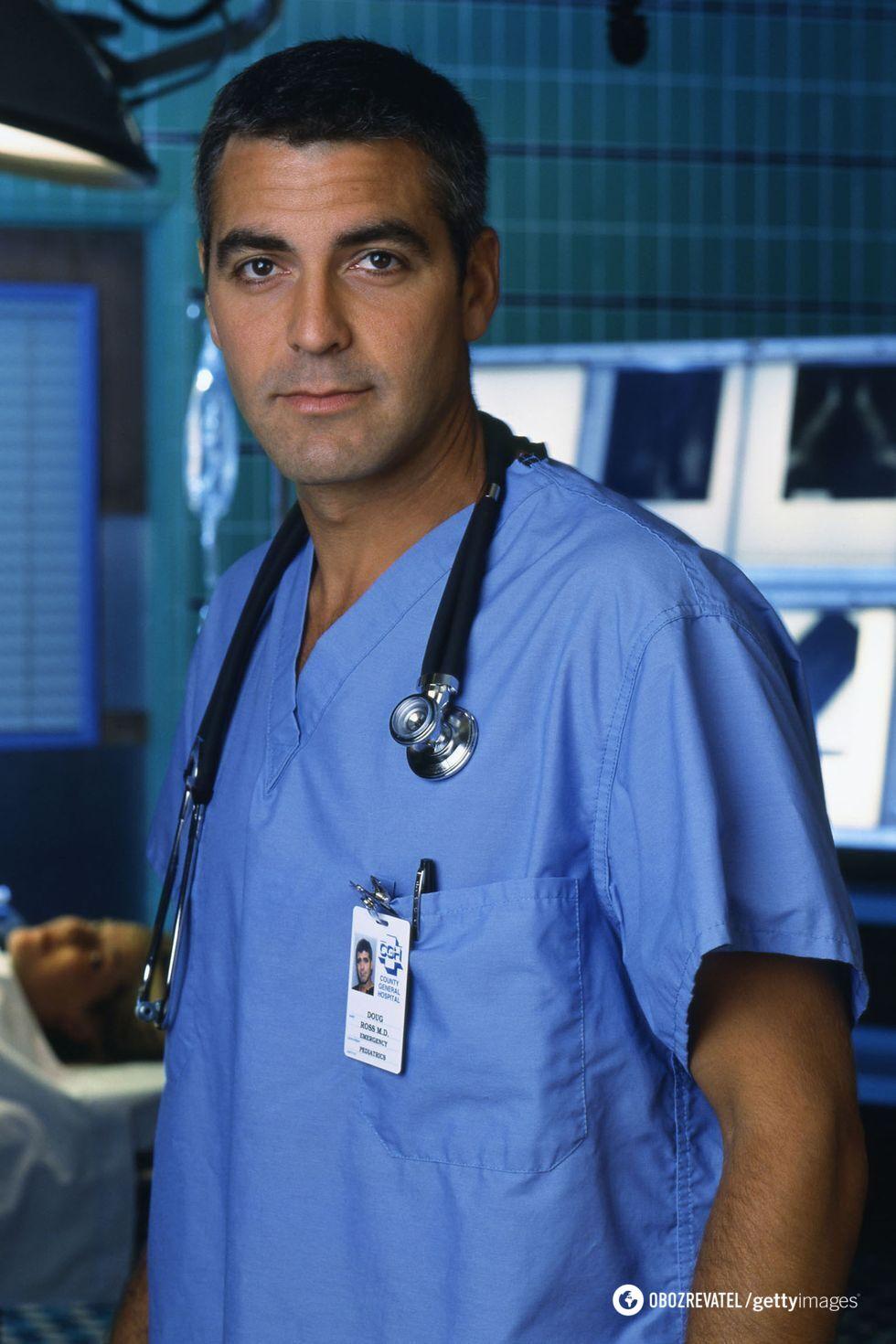 """Джордж Клуни во время съемок сериала """"Скорая помощь"""""""