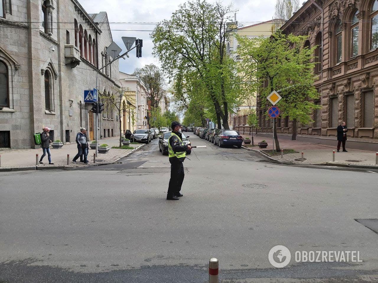 В урядовому кварталі багато поліцейських та бійців Нацгвардії.