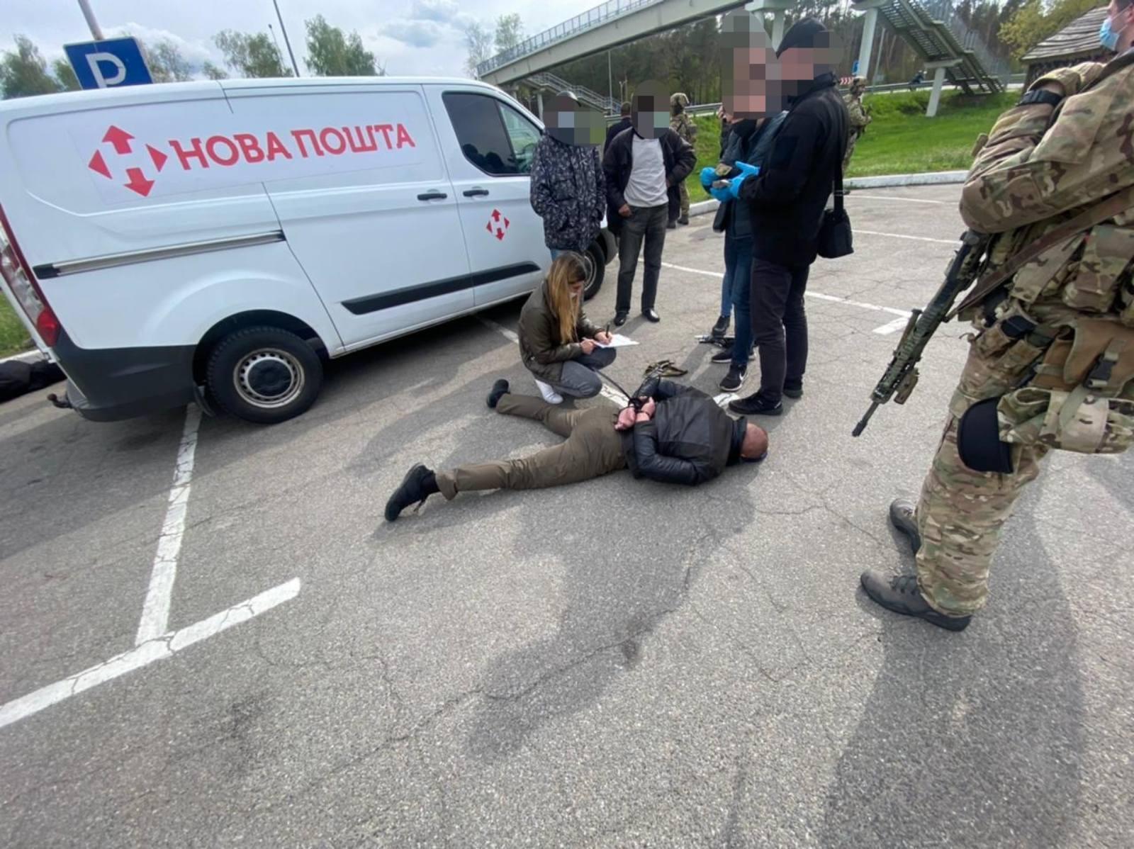 Правоохоронці затримали підозрюваних.