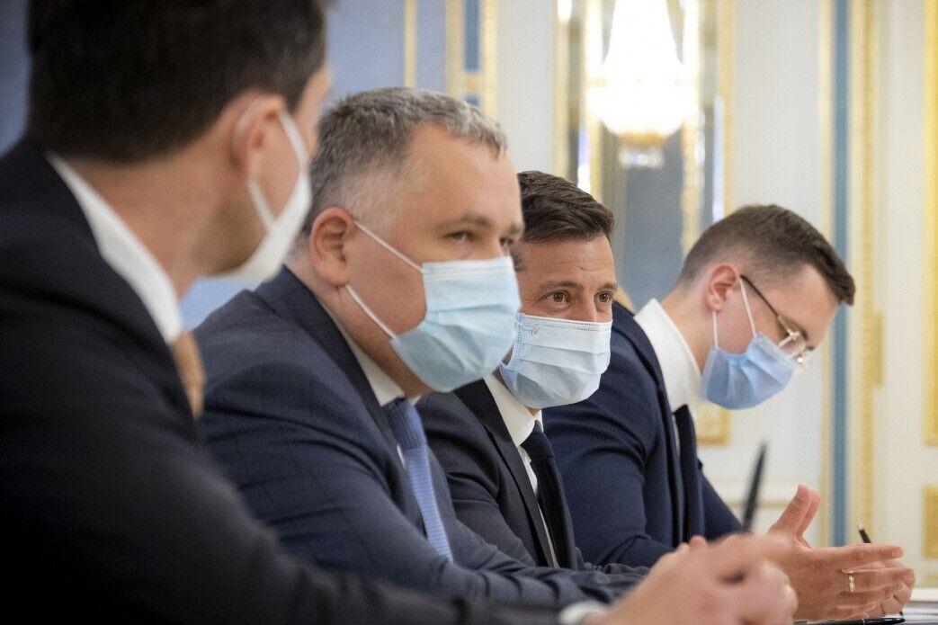 Перед этим министры побывали на Донбассе.