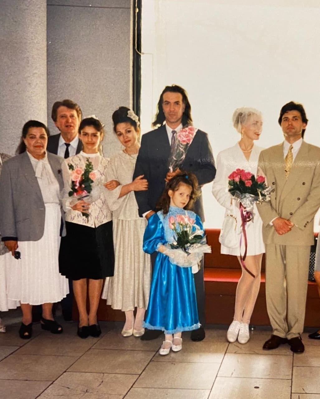 Сумська показала фото з весілля.