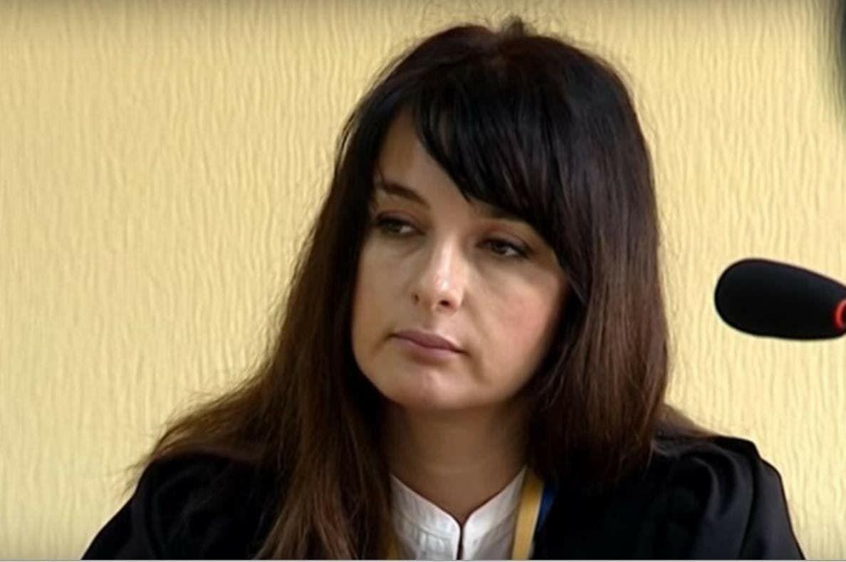 Плак-плак: студентка оказалась от своих слов в адрес Украины, Крыма. ВИДЕО 1
