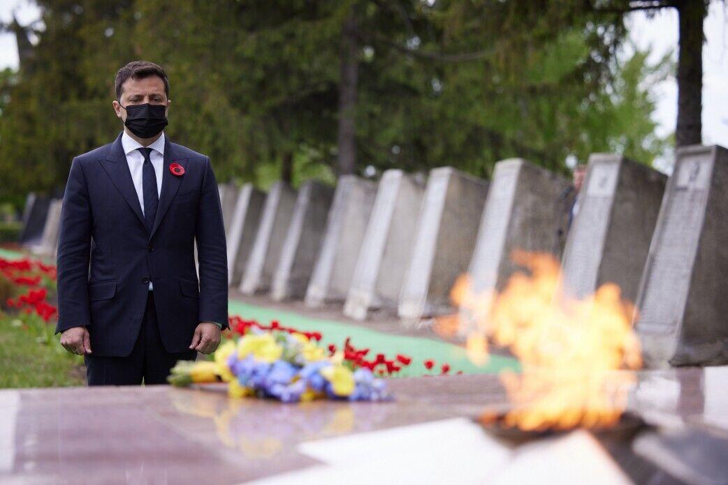 Президент вшанував пам'ять загиблих.