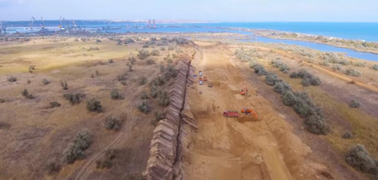 Разрушенная дамба Нижне-Чурбашского хвостохранилища