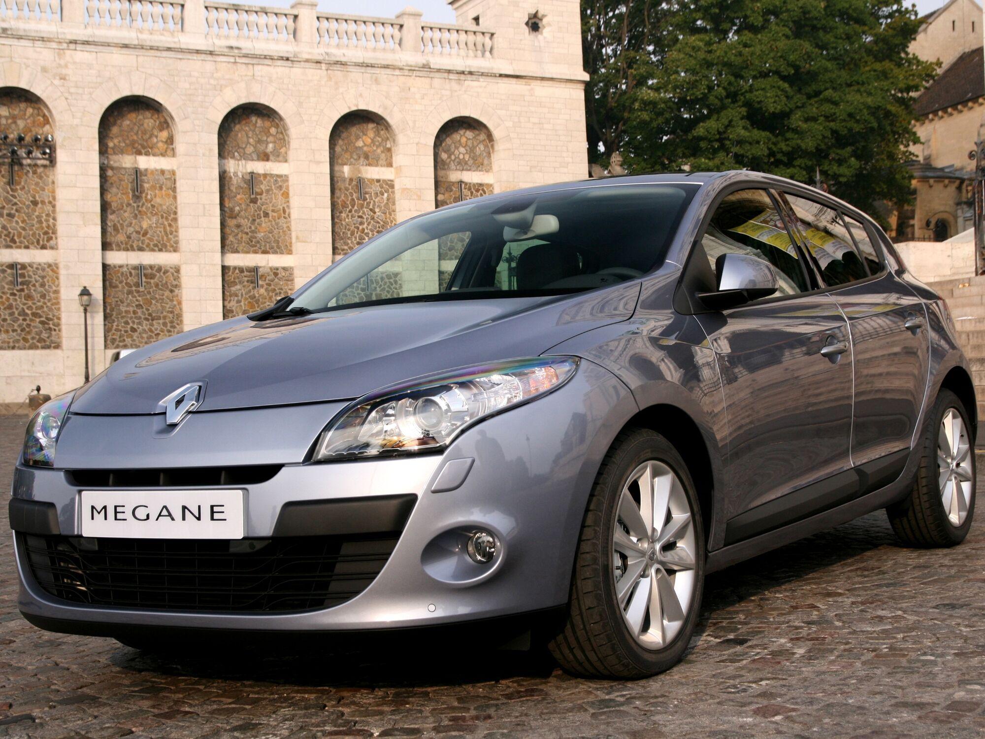В апреле в Украине было поставлено на учет 2370 Renault Megane