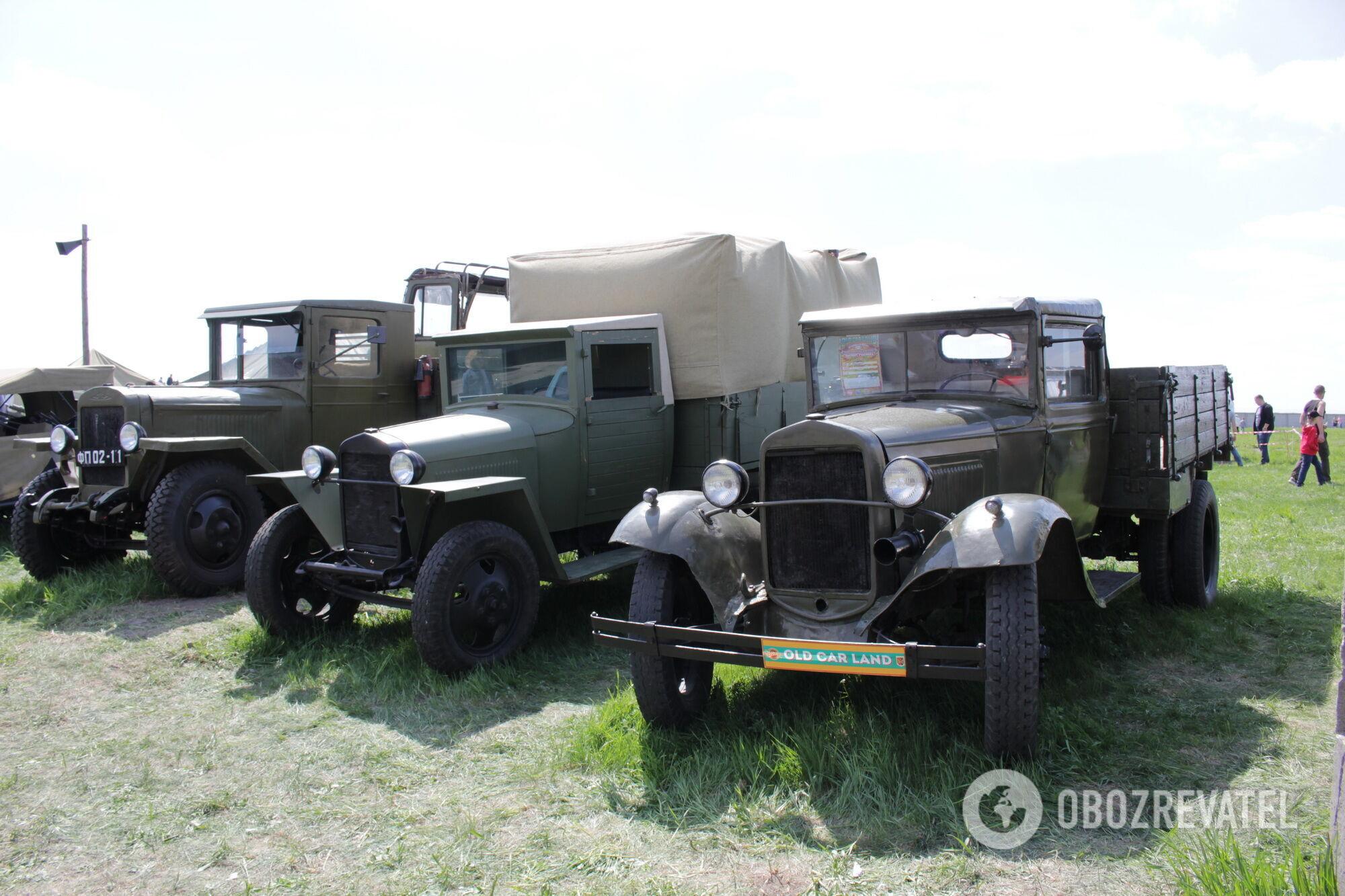 Два ГАЗ-АА/ММ и ЗИС-5