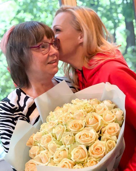 Даша Трегубова показала снимок с мамой