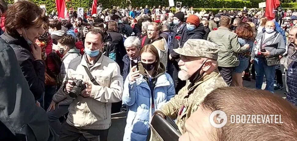 У Києві прихильники комуністів накинулися на ветерана АТО біля Вічного вогню