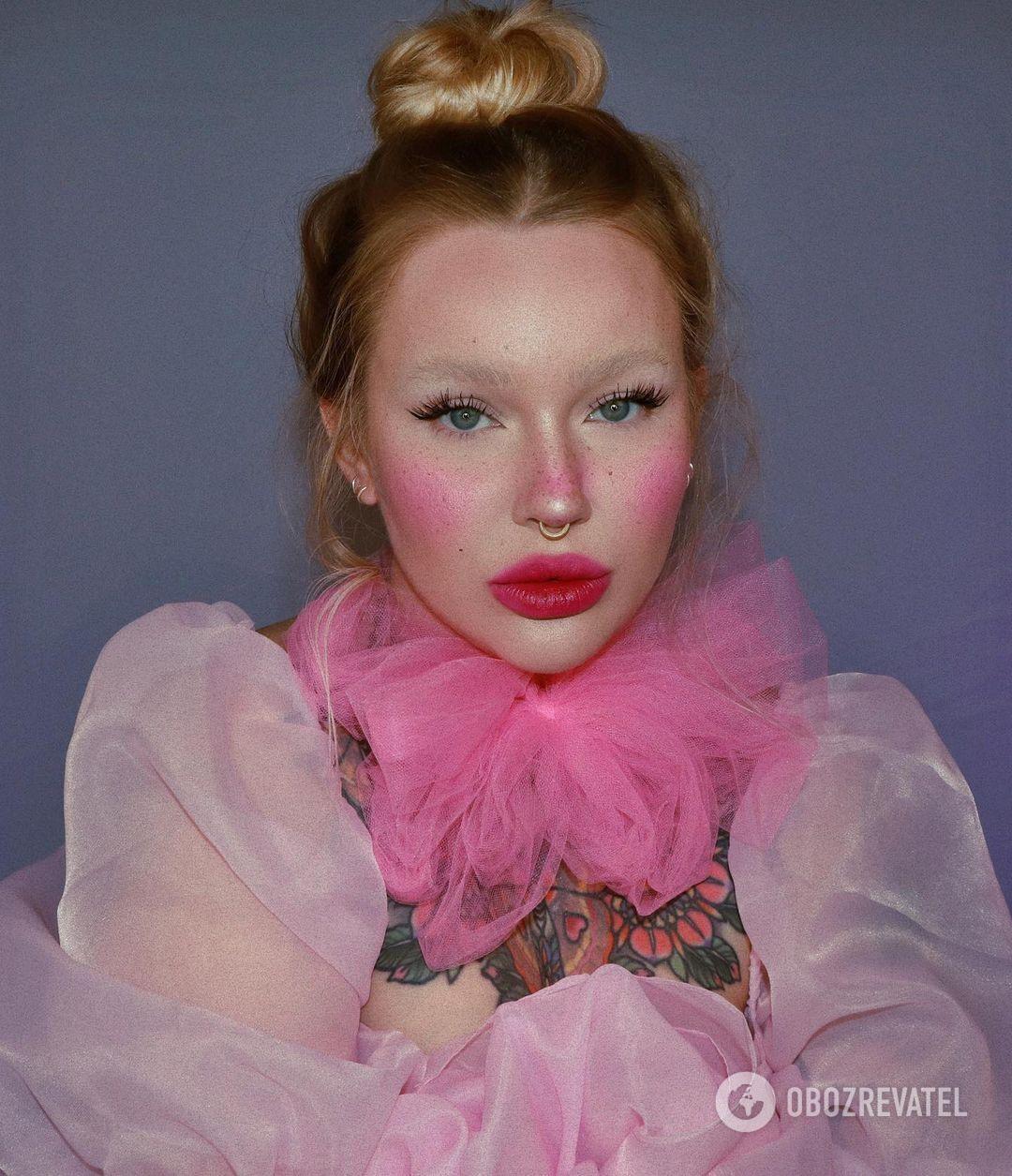 Тренд в макияже на лето 2021 – румяные щеки
