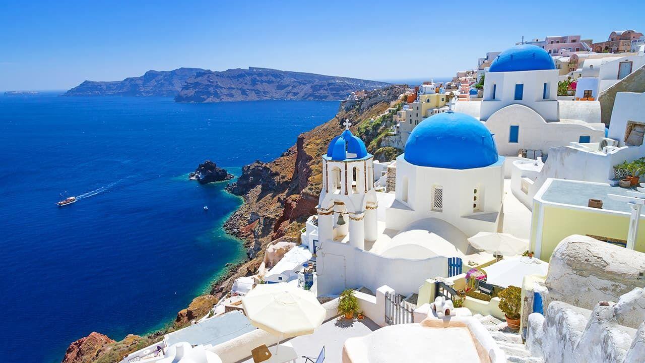 С 14 мая украинцы могут свободно посещать Грецию