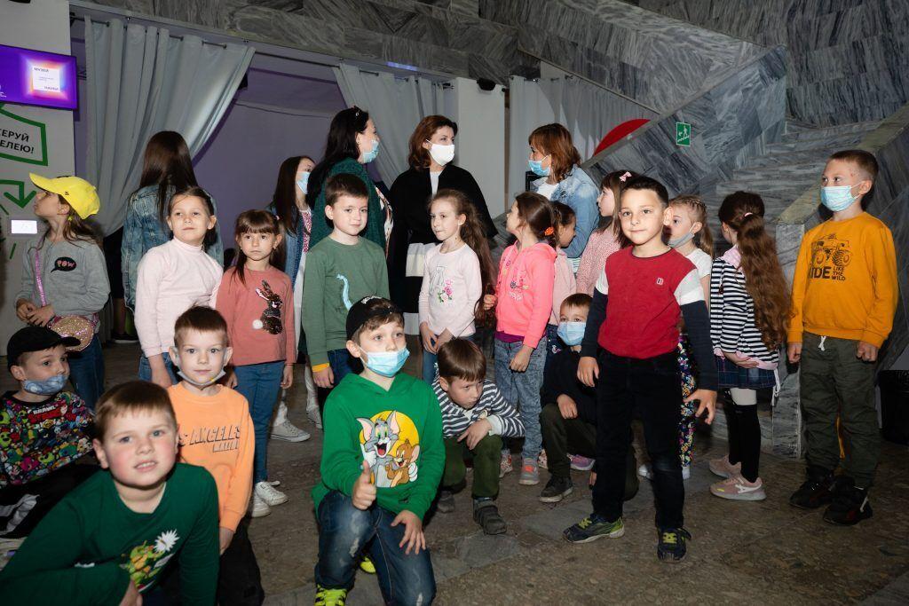 Марина Порошенко запросила школярів з родин учасників війни до Музею науки
