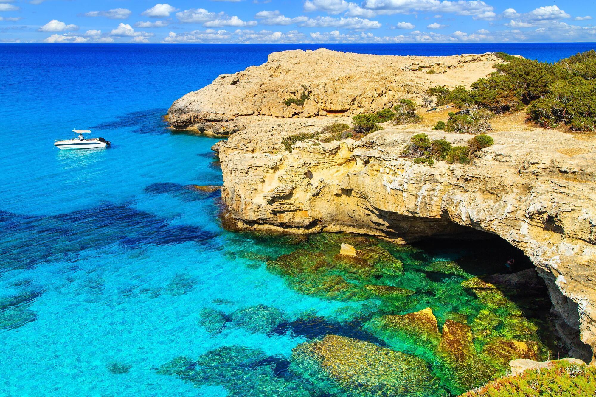 C 1 апреля украинцам разрешено посещать Кипр