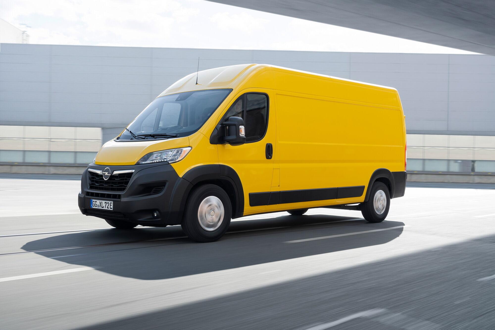 Для Movano буде запропонований 2,2-літровий турбодизель, який буде доступний у декількох варіантах потужності – від 120 до 165 к.с.