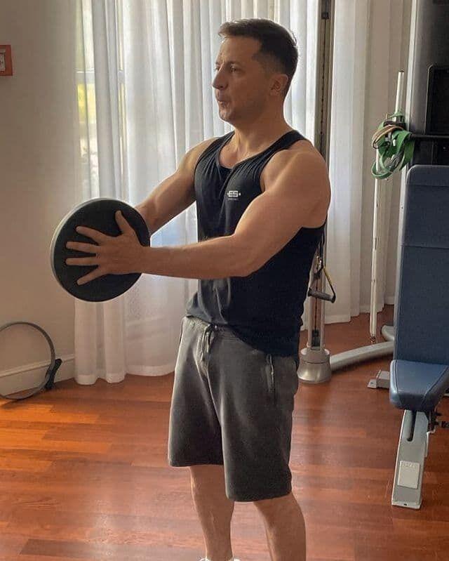 Зеленський показав фото зі спортзалу.