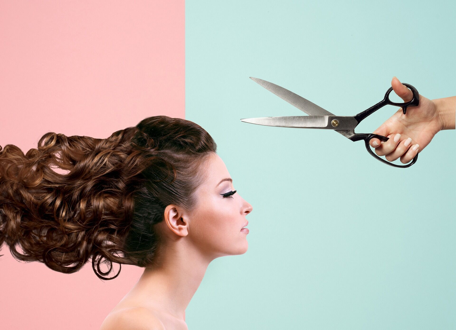 Від того, у який місячний день підстрижено волосся, на думку астрологів, можуть залежати їхні ріст і здоров'я