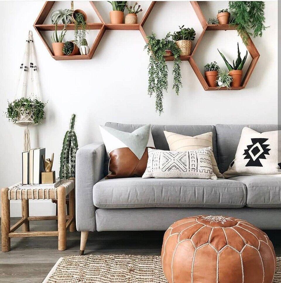 Сухоцветы, веточки и глиняные вазы в приоритете в выборе декора для дизайна интерьера