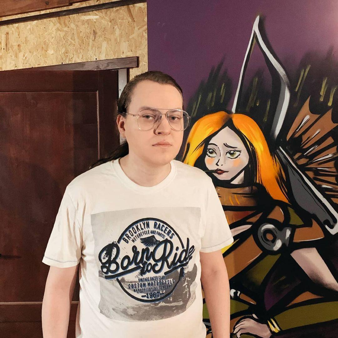 Блогер Юрій Хованський