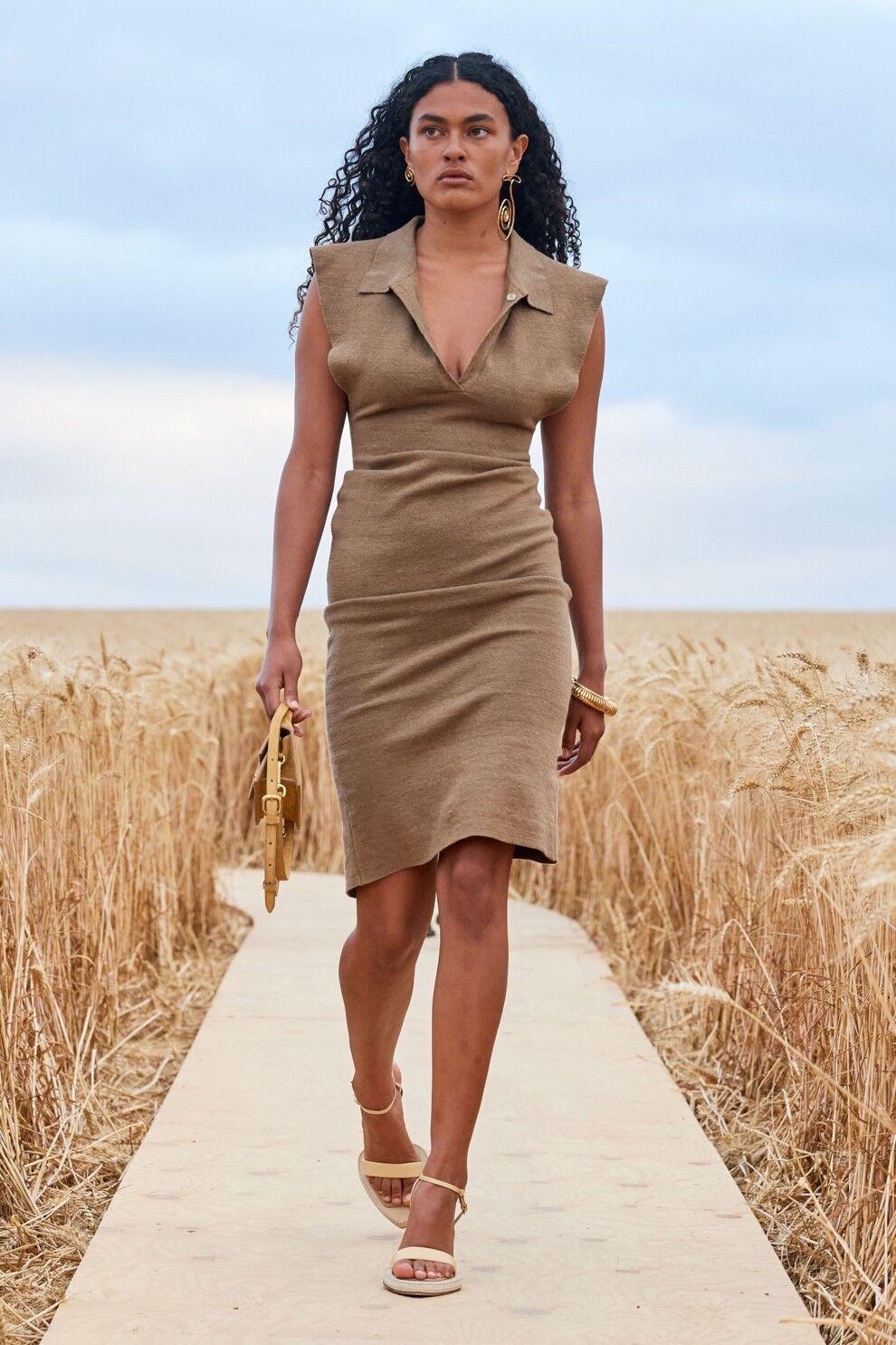Трендова сукня літа 2021