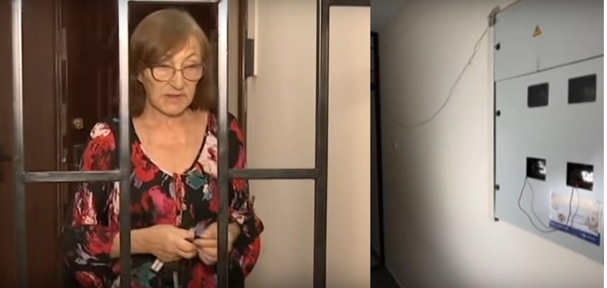 Татьяна К. возле решетки, к которой был подведен ток.