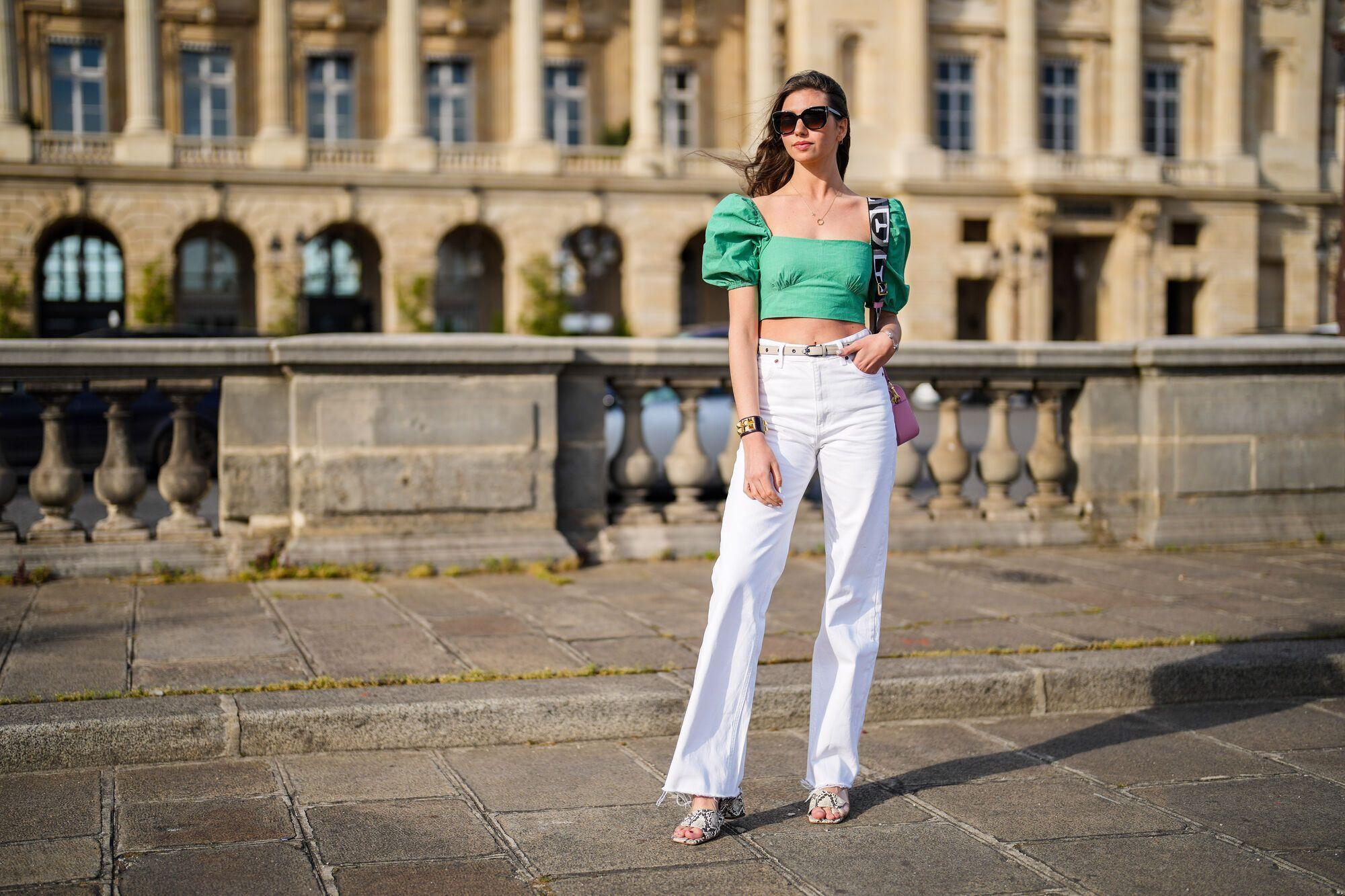 Белые широкие джинсы – тренд лета 2021