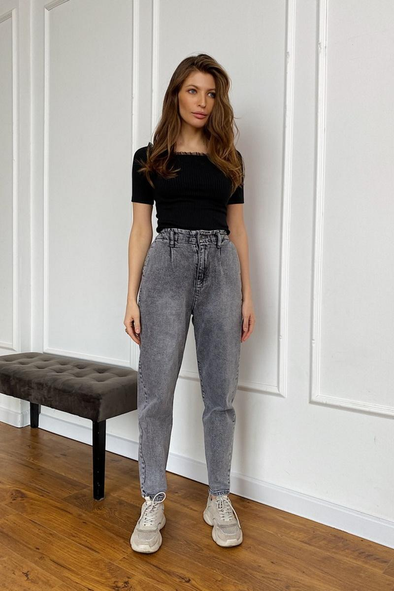 Модные джинсы-баллоны на лето 2021