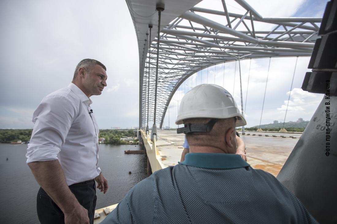 Кличко перевірив роботи на Подільсько-Воскресенському мостовому переході