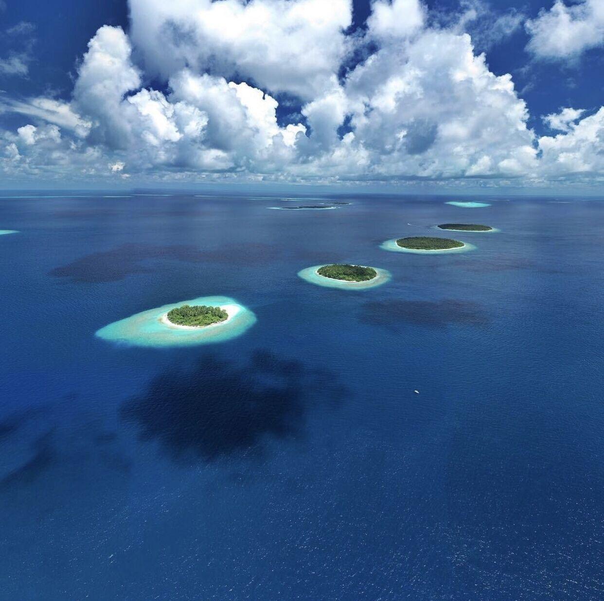 """Оптична ілюзія з островами, що """"летять"""""""