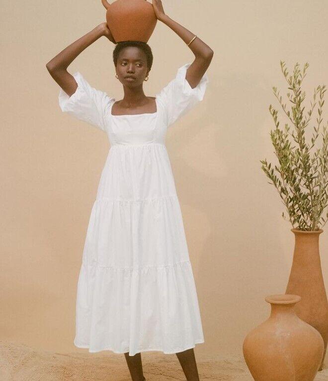 Весільна сукня вільного крою.