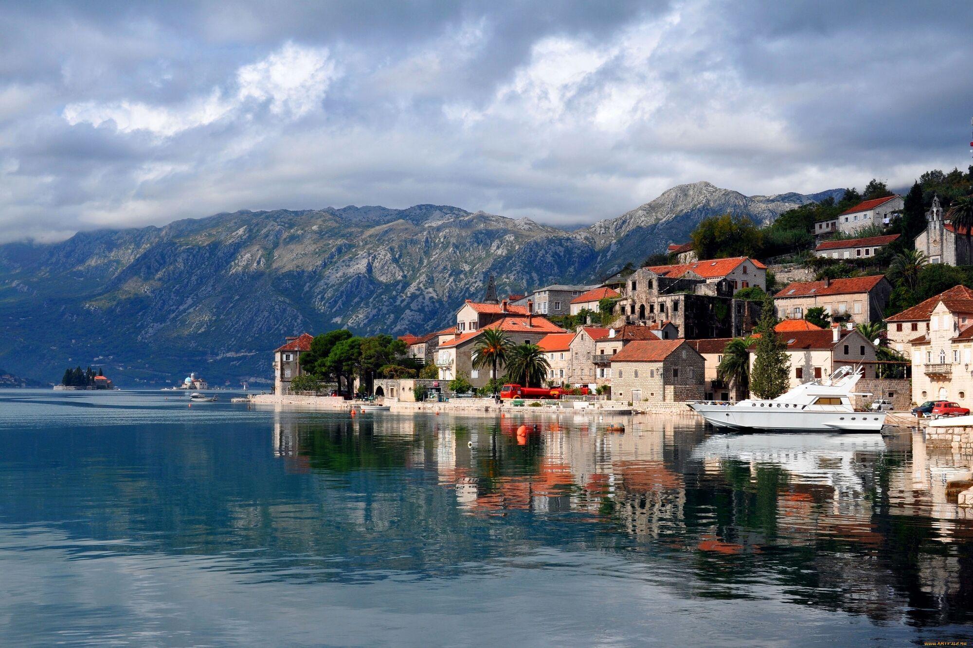 Ціни на продукти і послуги в Чорногорії різко будуть падати, від'їжджаючи від моря.