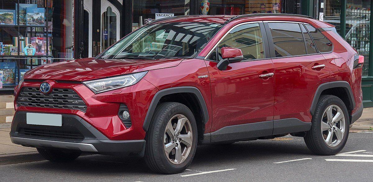 Toyota RAV4 отримав у рейтингу надійності 100%