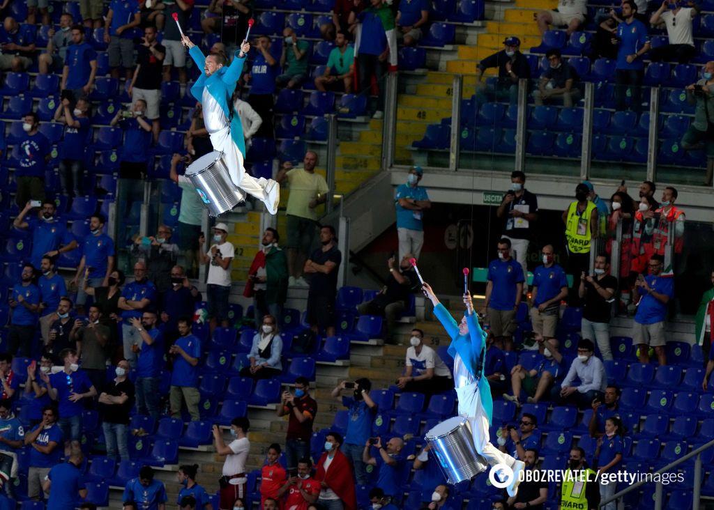 """Шоу на """"Стадио Олимпико""""."""