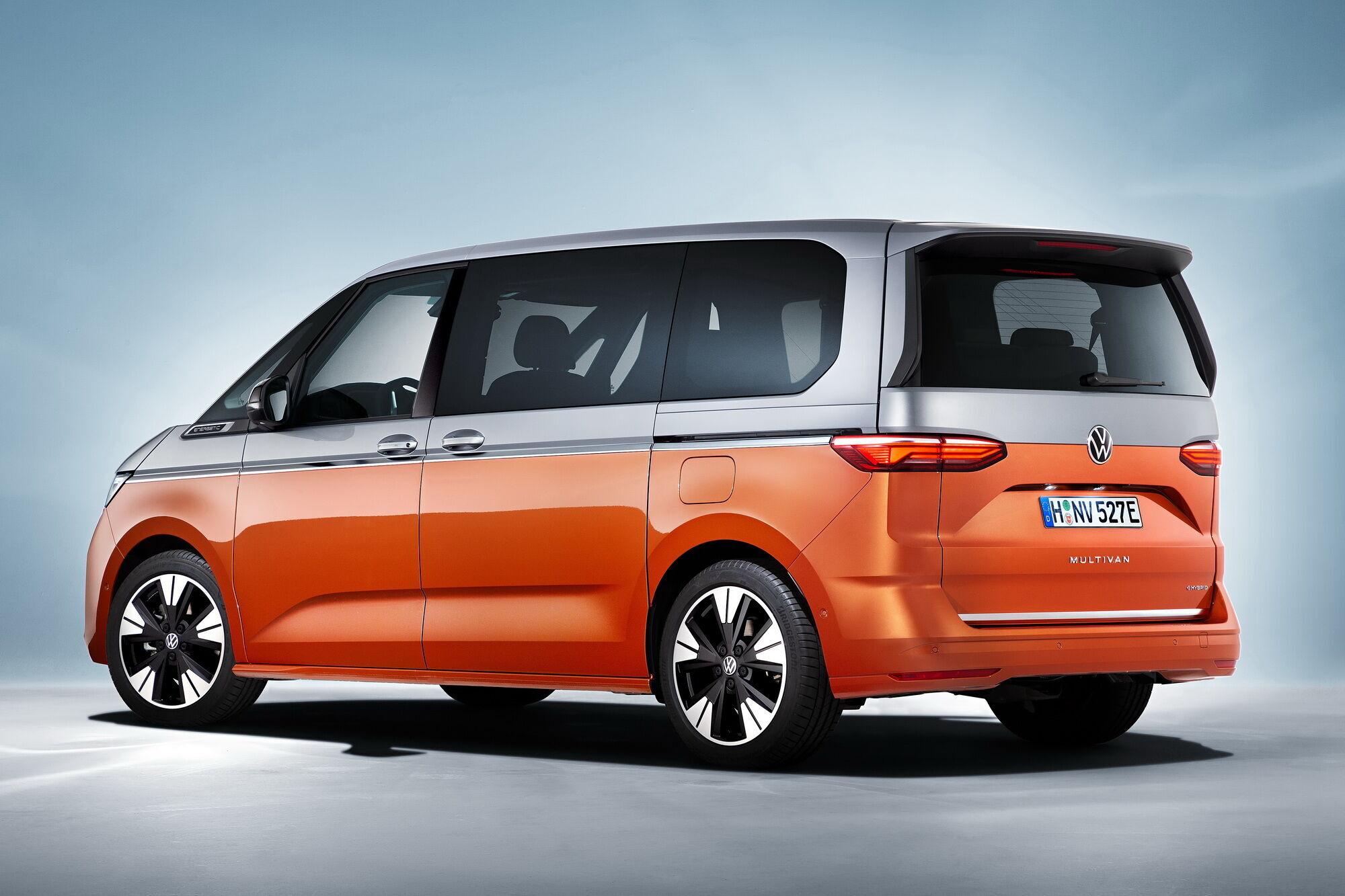 Новый Multivan с его 7-местным салоном станет своего рода квинтэссенцией всего семейства Bulli